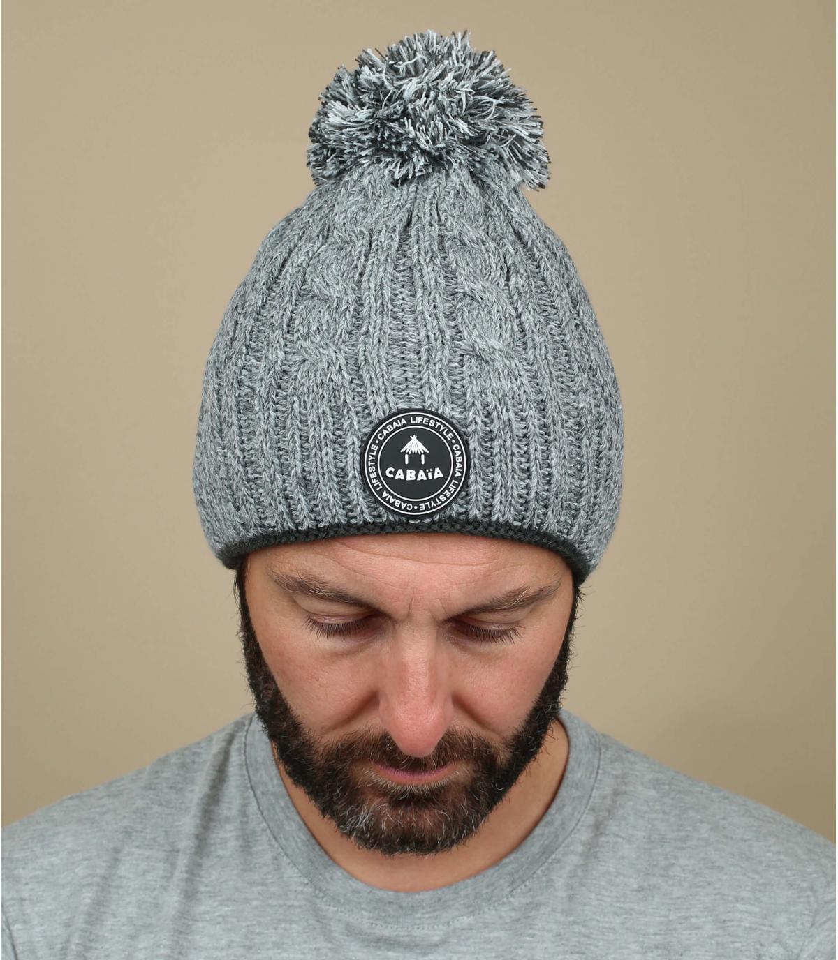 Bommel Mütze grau Zopfmuster