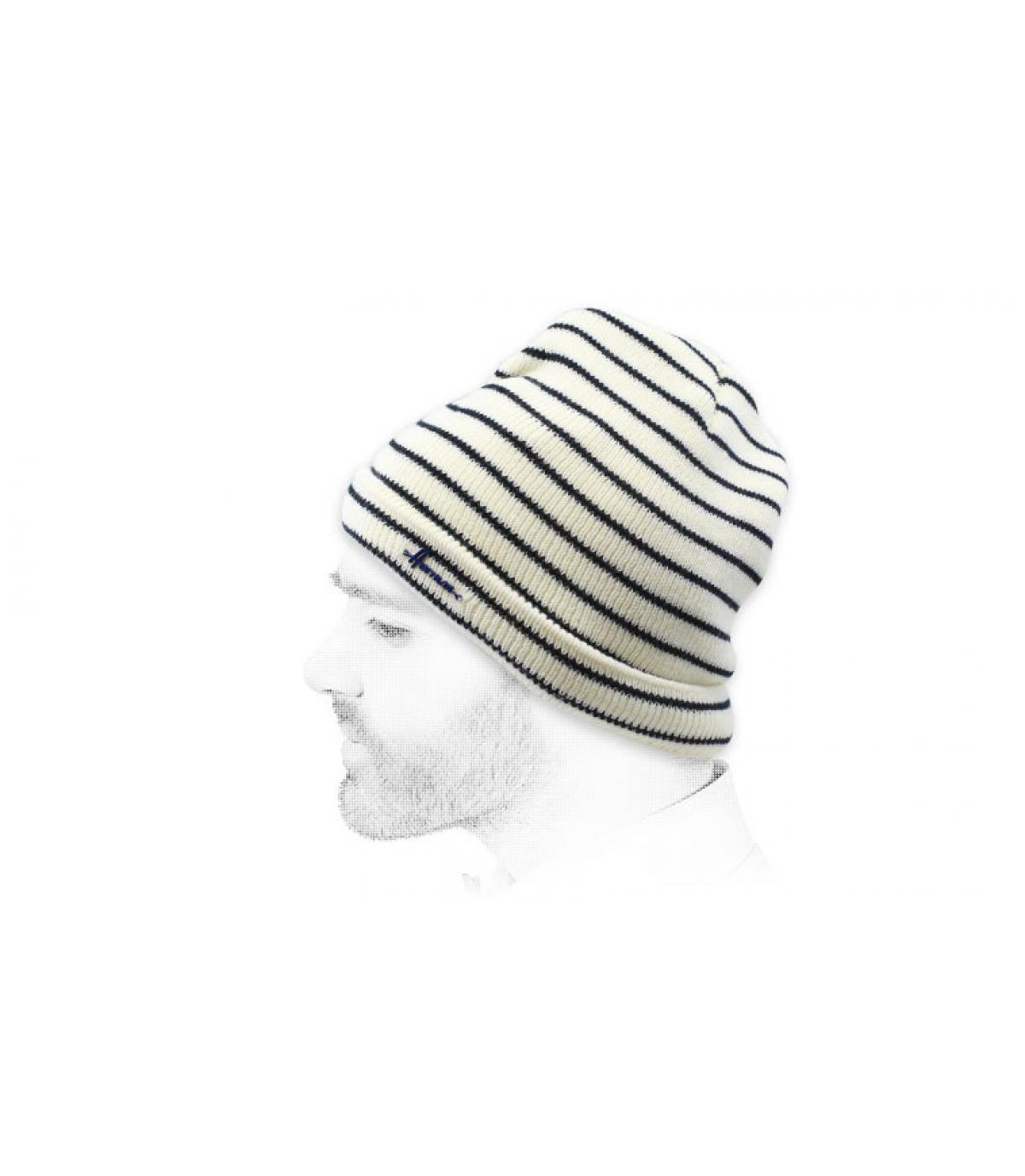 Mütze schwarz weiß gestreift
