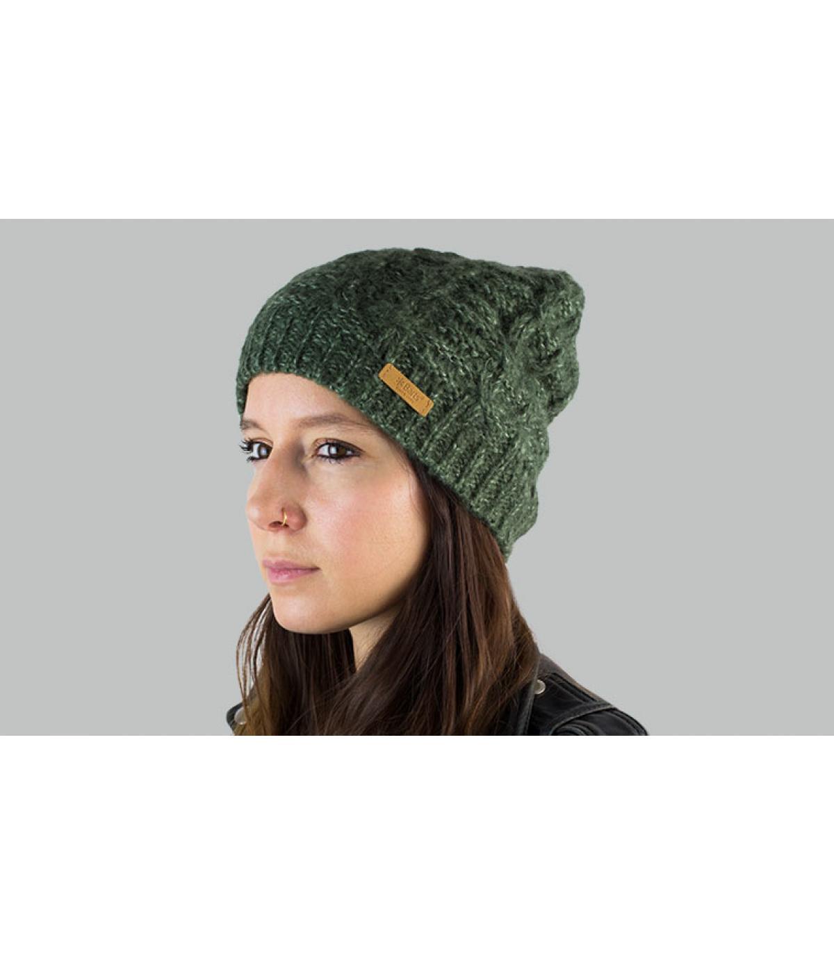 Lange Mütze Zopfmuster grün