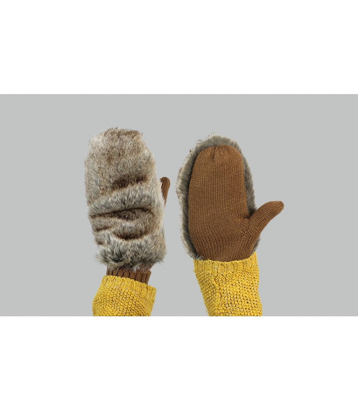 Fausthandschuh Kaninchen Barts