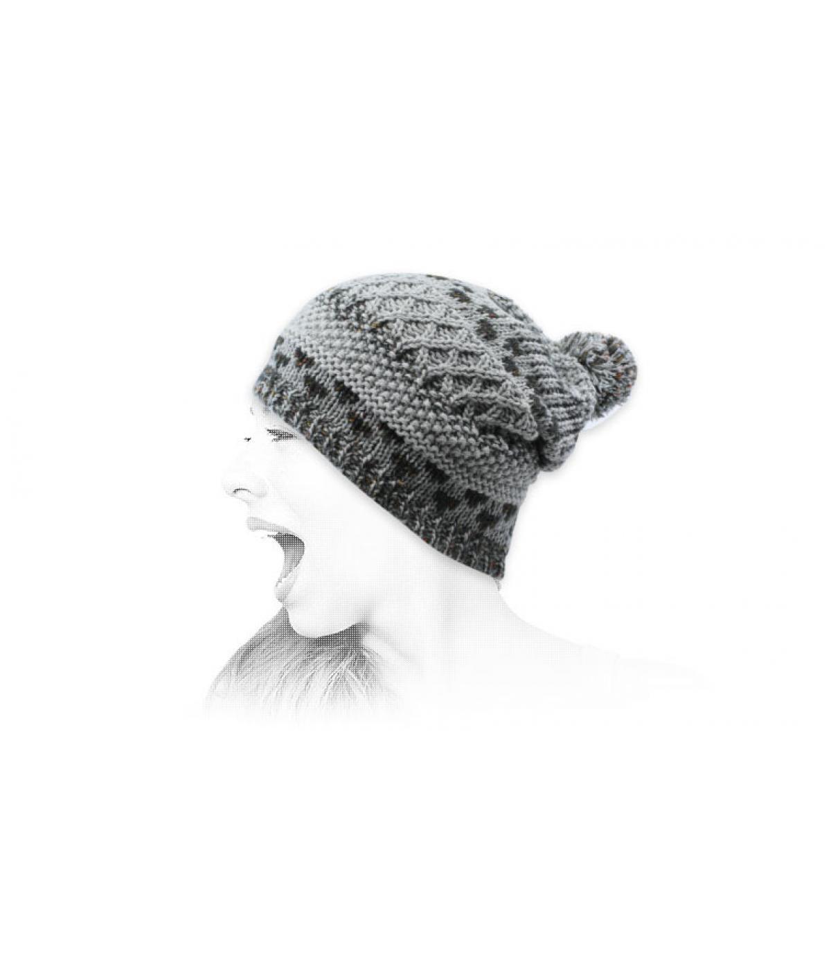 Bommel Mütze grau Jacquard