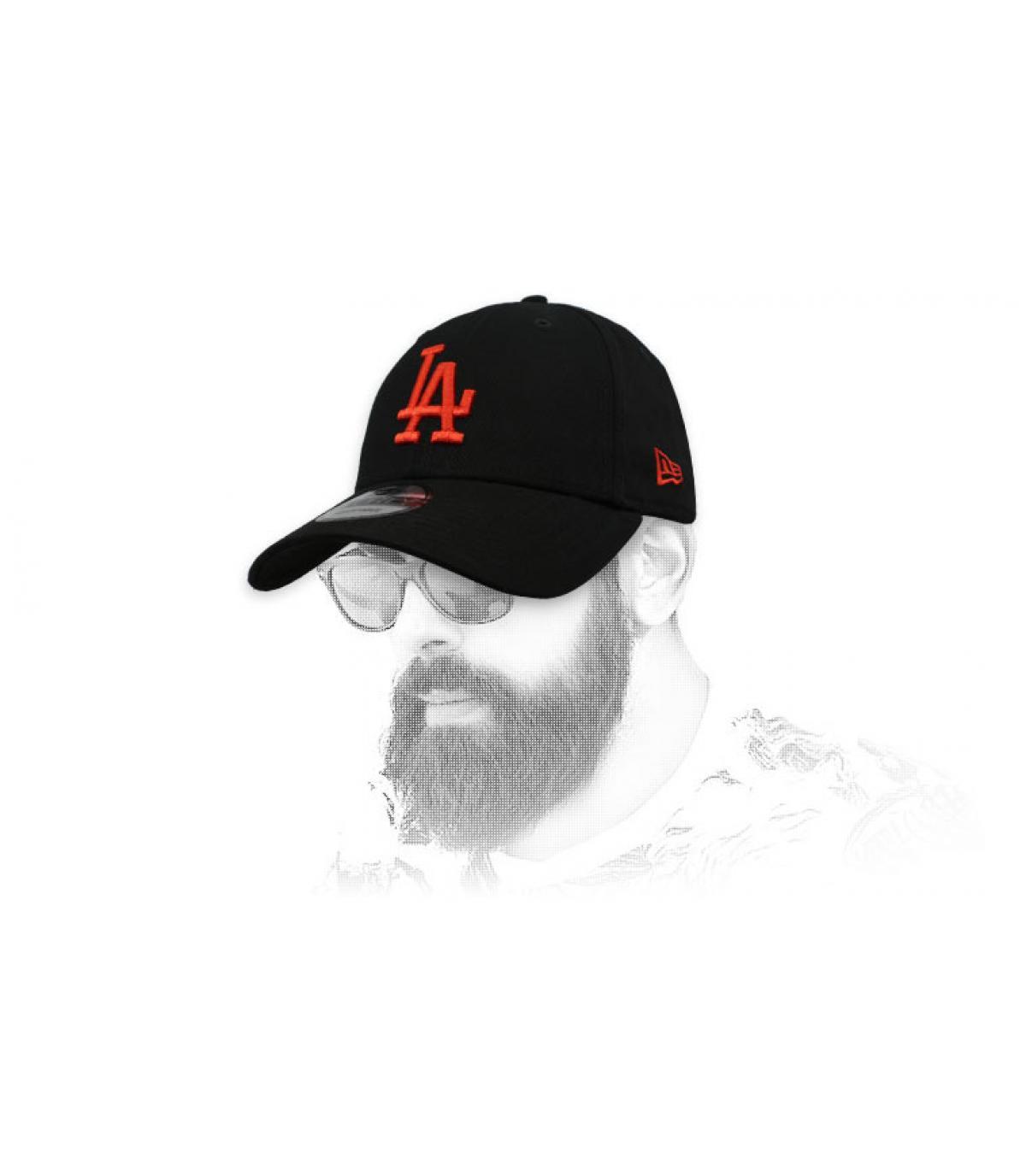 Cap LA schwarz rot