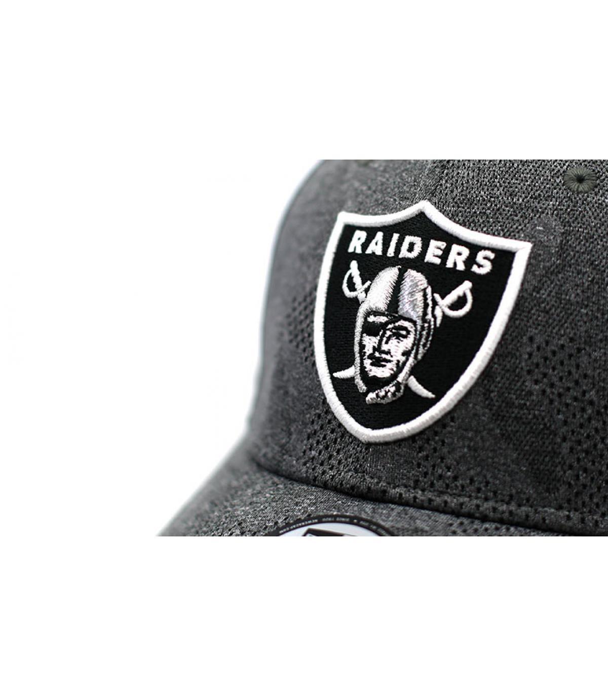 Details Cap Engineered Plus Raiders 3930 black - Abbildung 3