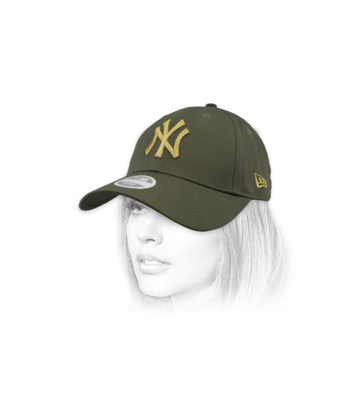 Kinder Cap NY grün Gold
