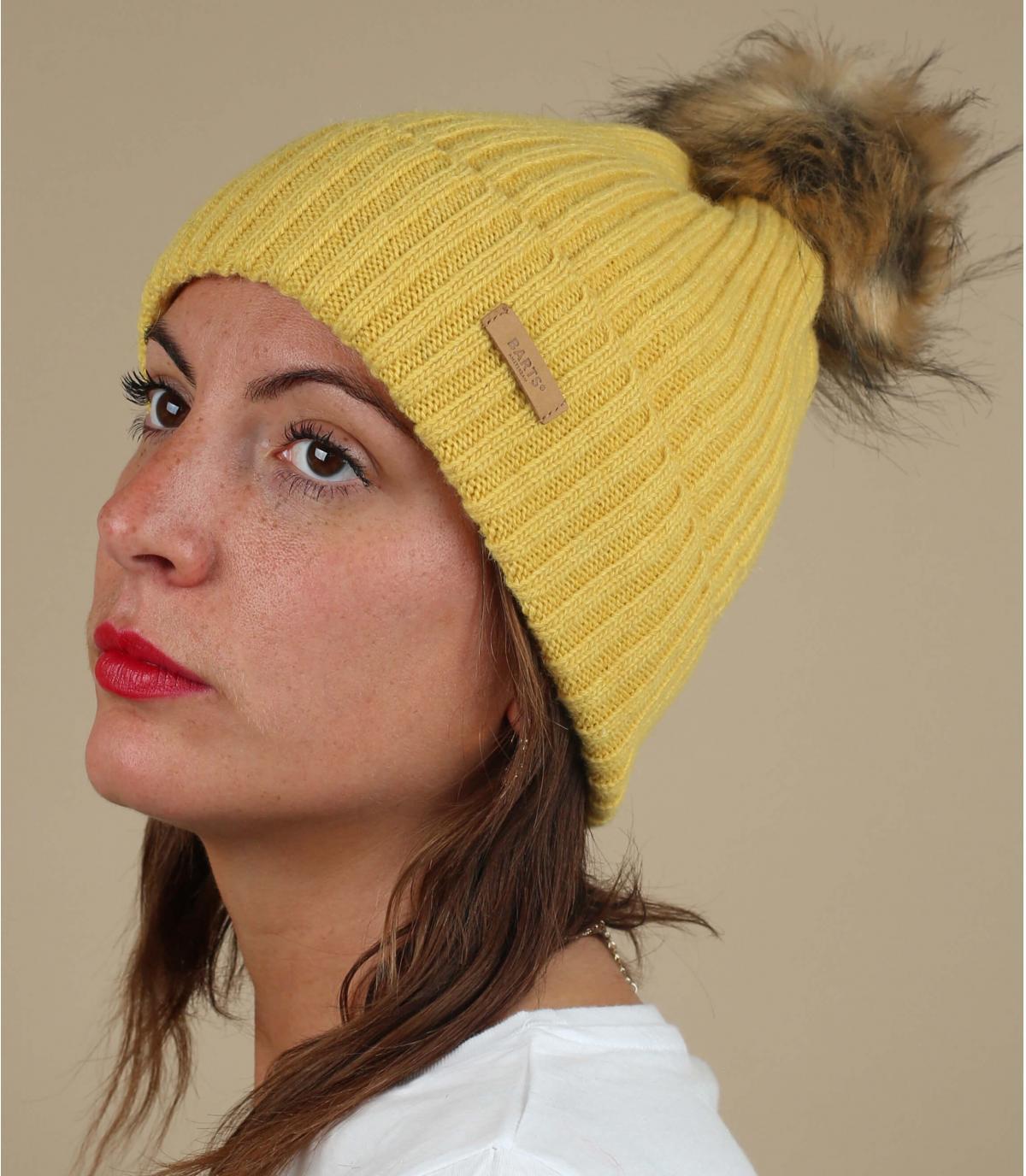 Gelbe Wollmütze Fellbommel