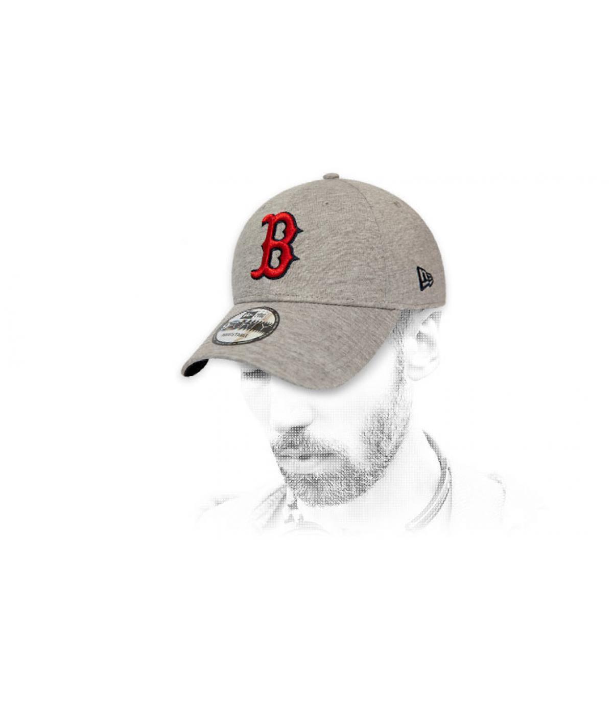Cap B grau rot