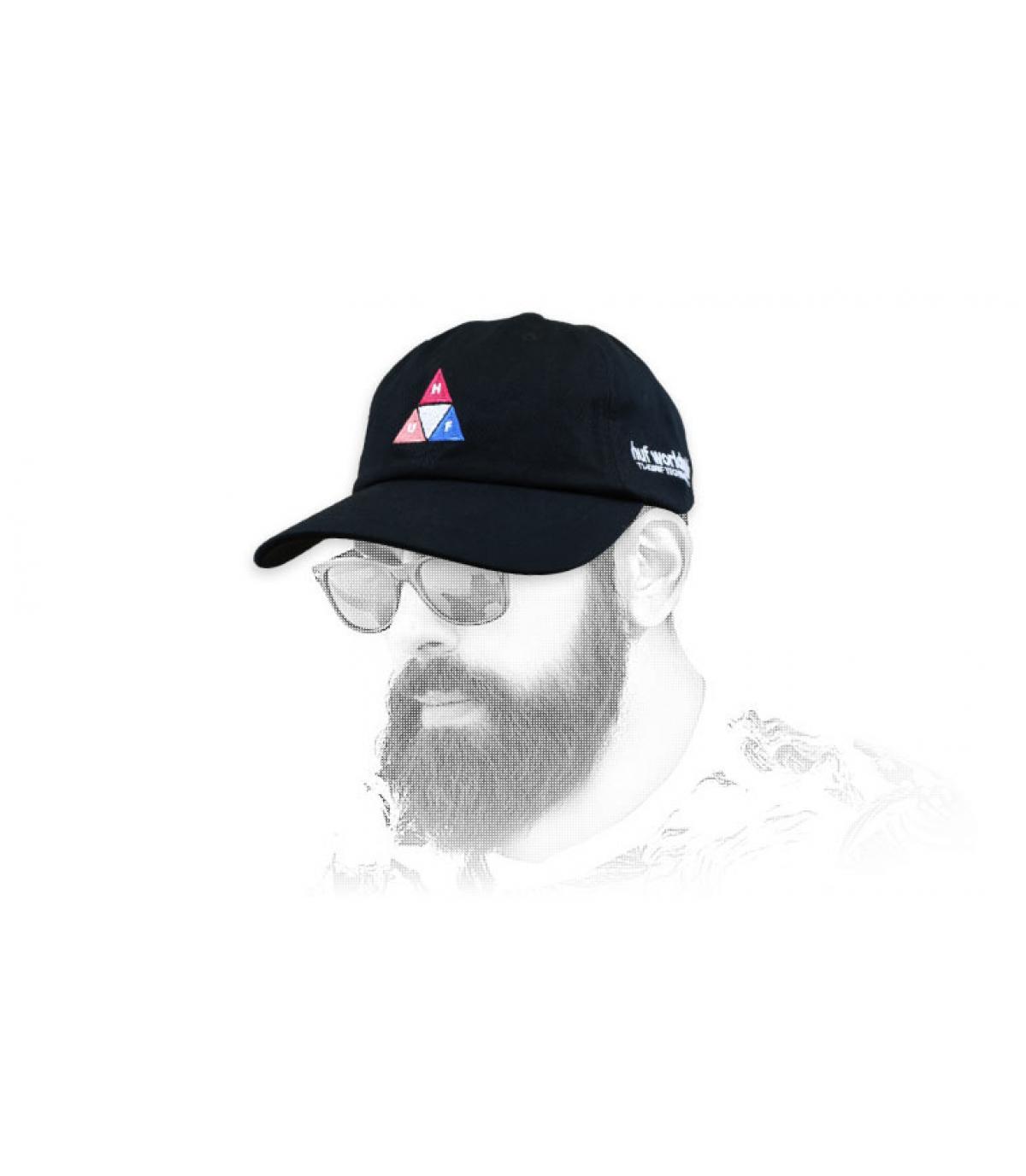 Schwarze Huf Cap Dreieck Logo