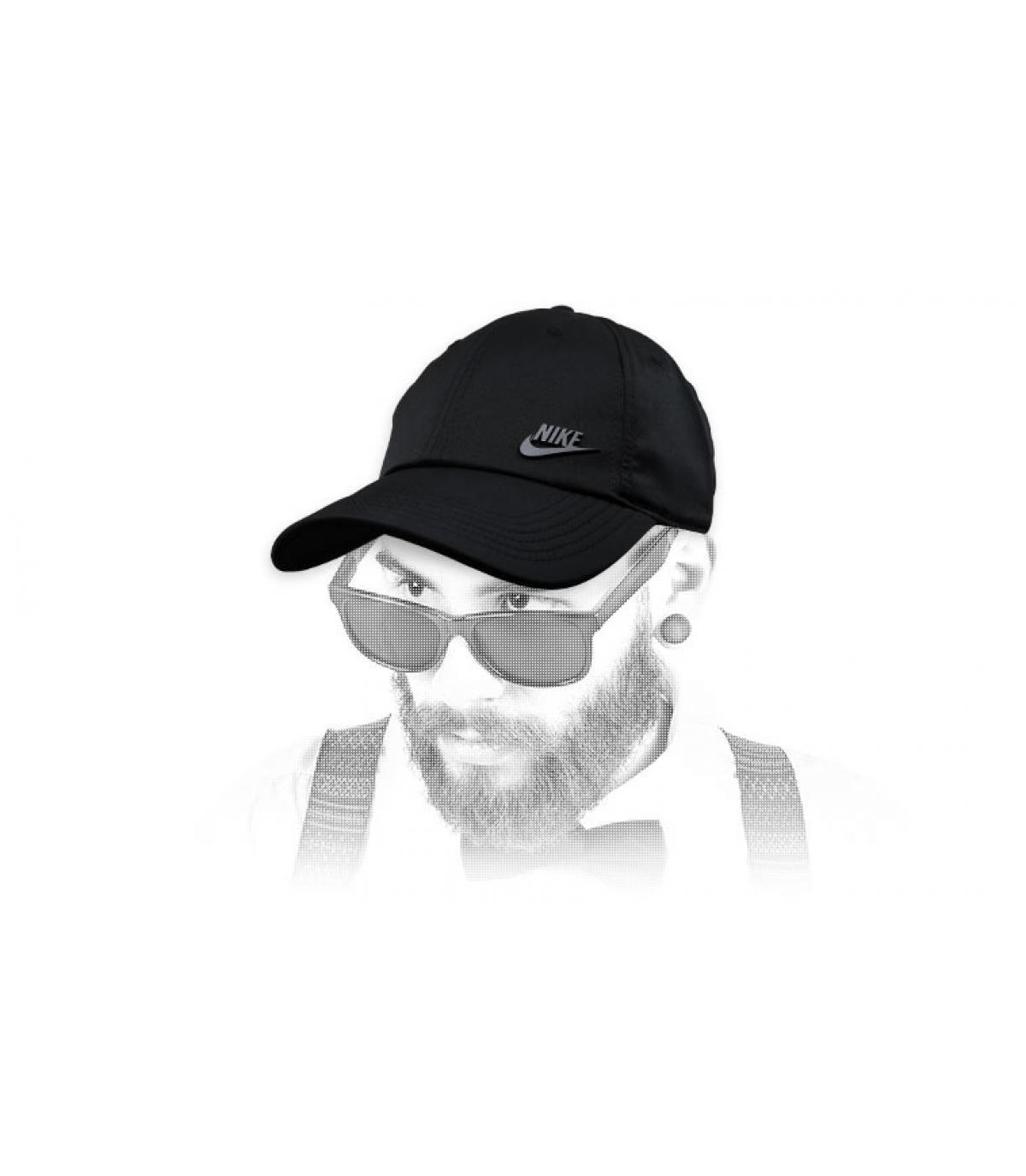 Schwarze Nike Cap Logo