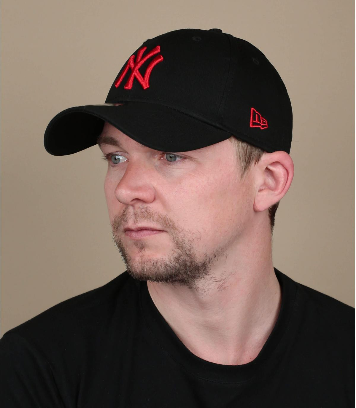 Cap NY schwarz rot