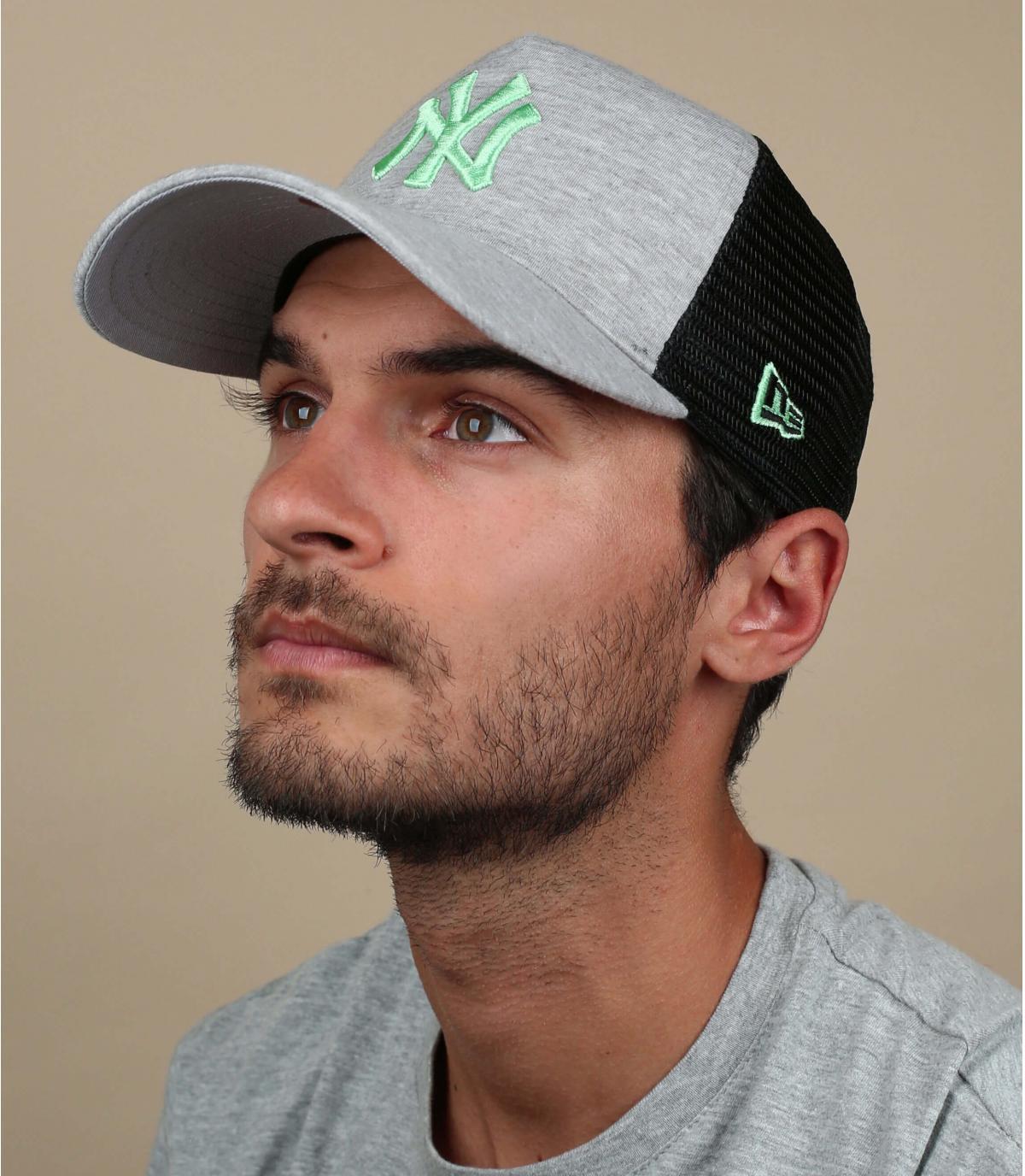 trucker NY grau grün
