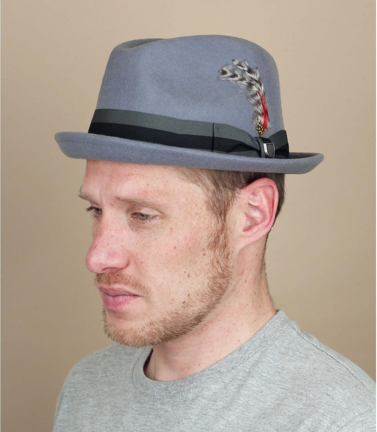 Hut grau Hutband Feder