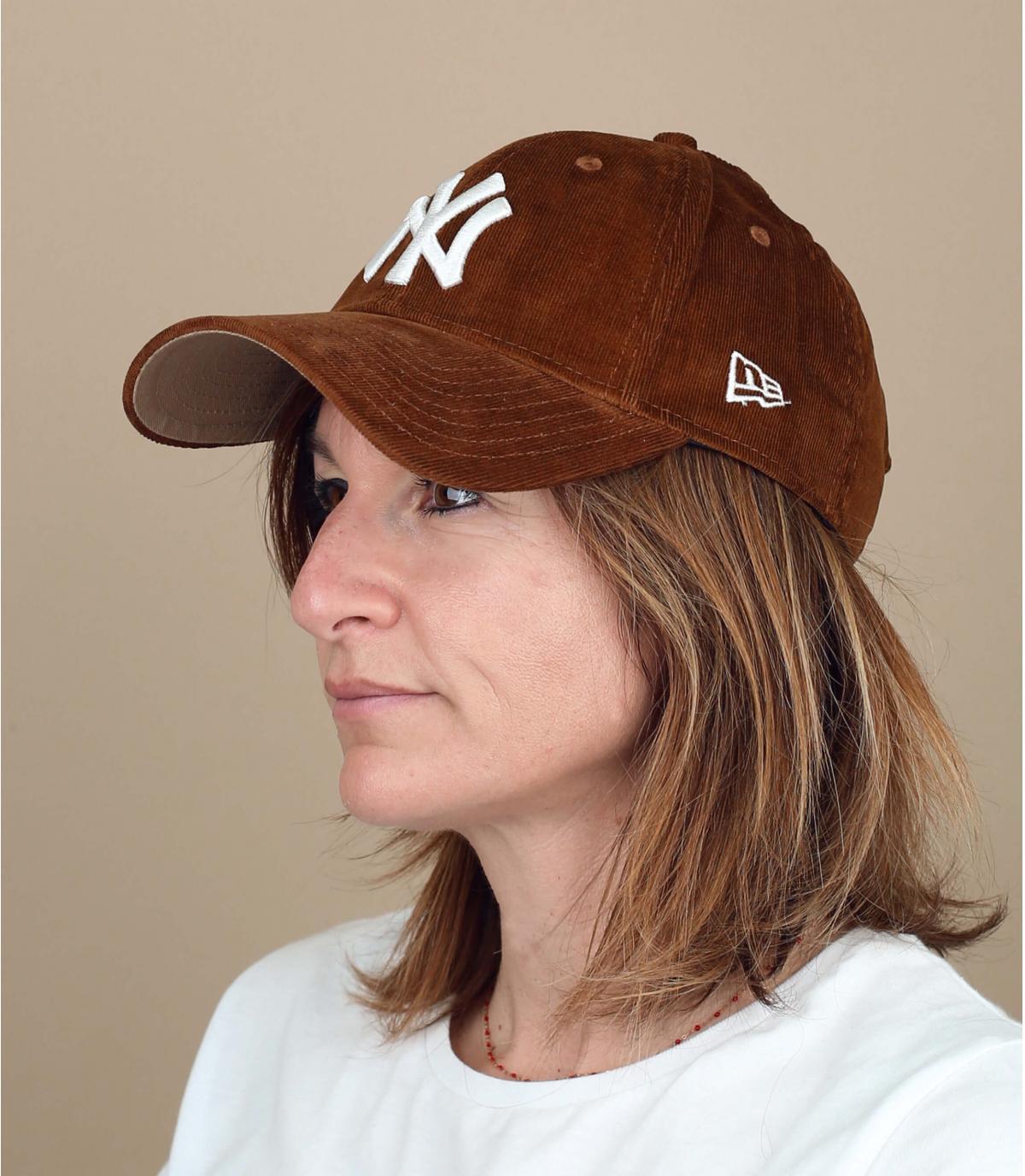 Damen Cap Kordsamt braun