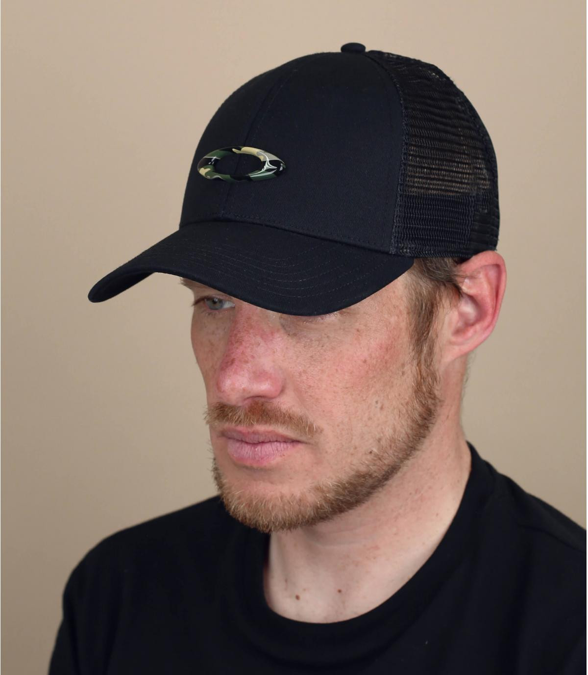 Trucker Cap Oakley schwarz camo