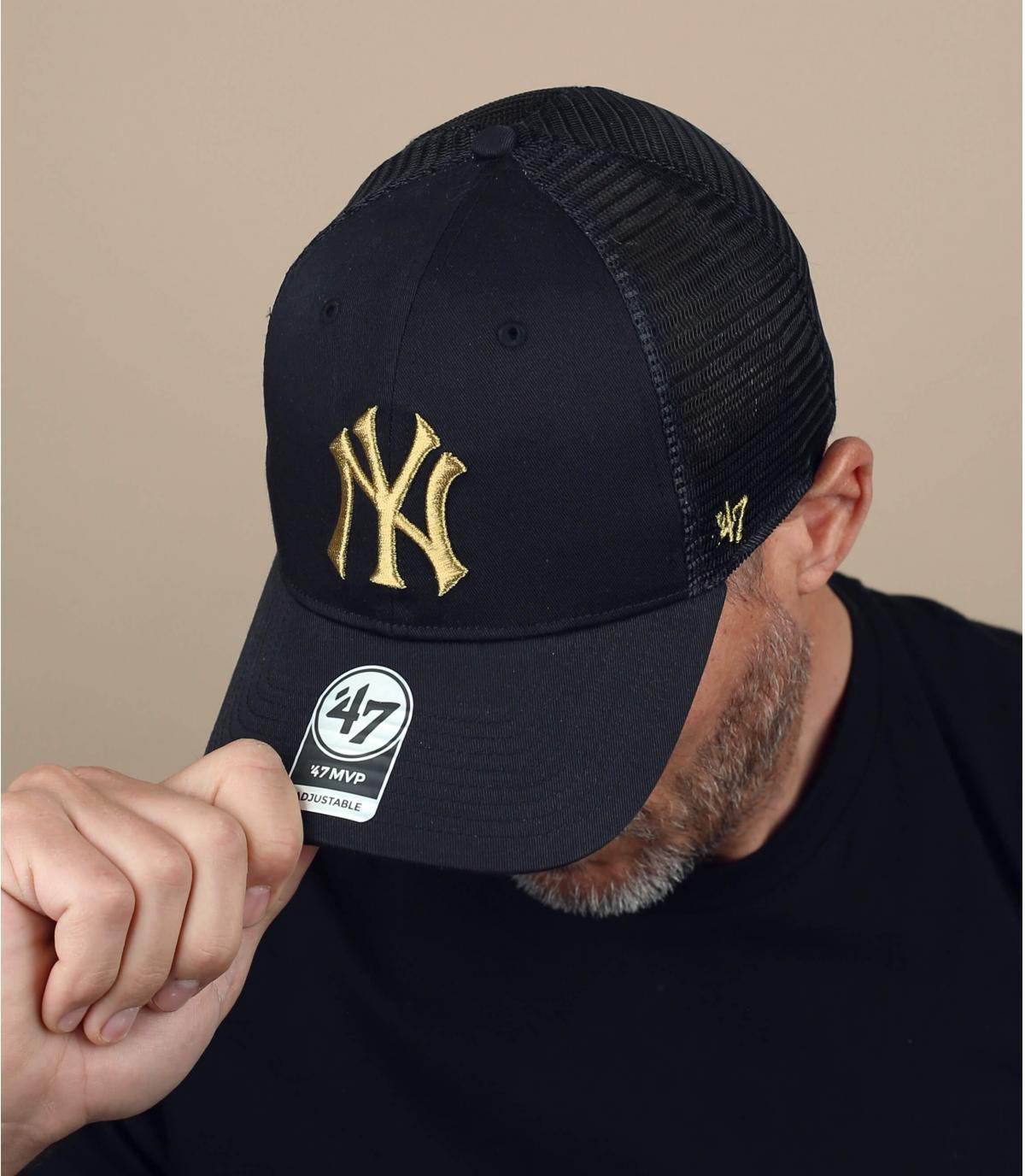 Trucker Cap NY schwarz Logo Gold