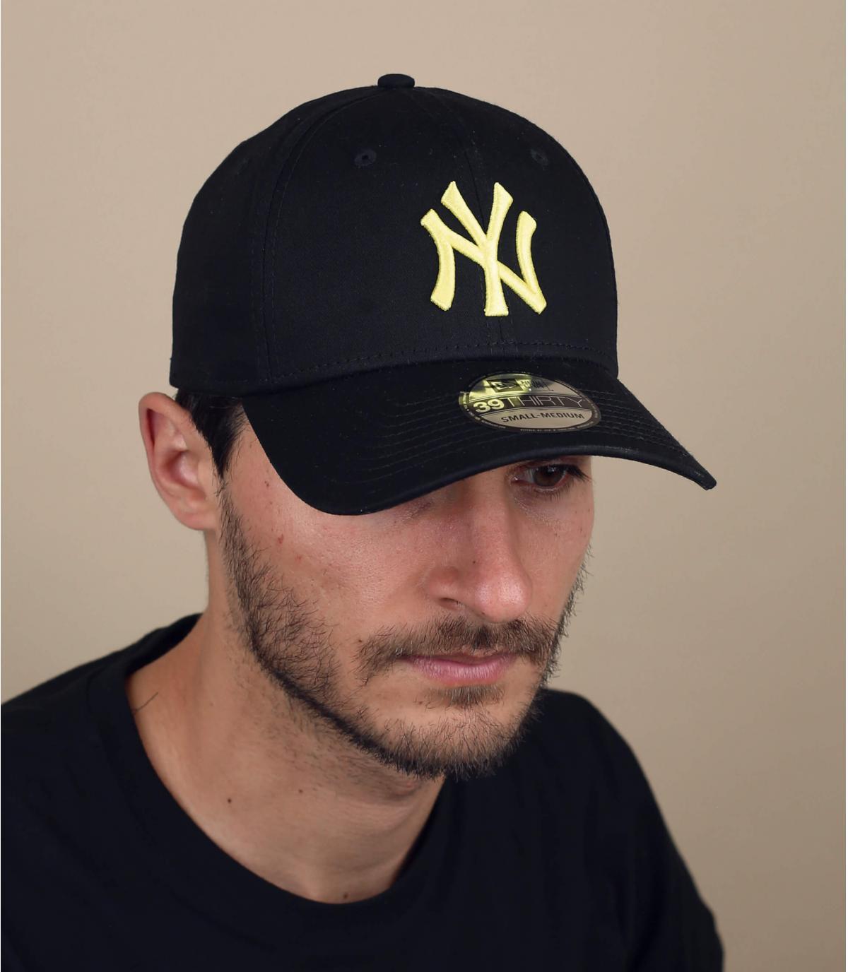 Cap NY stretch schwarz gelb