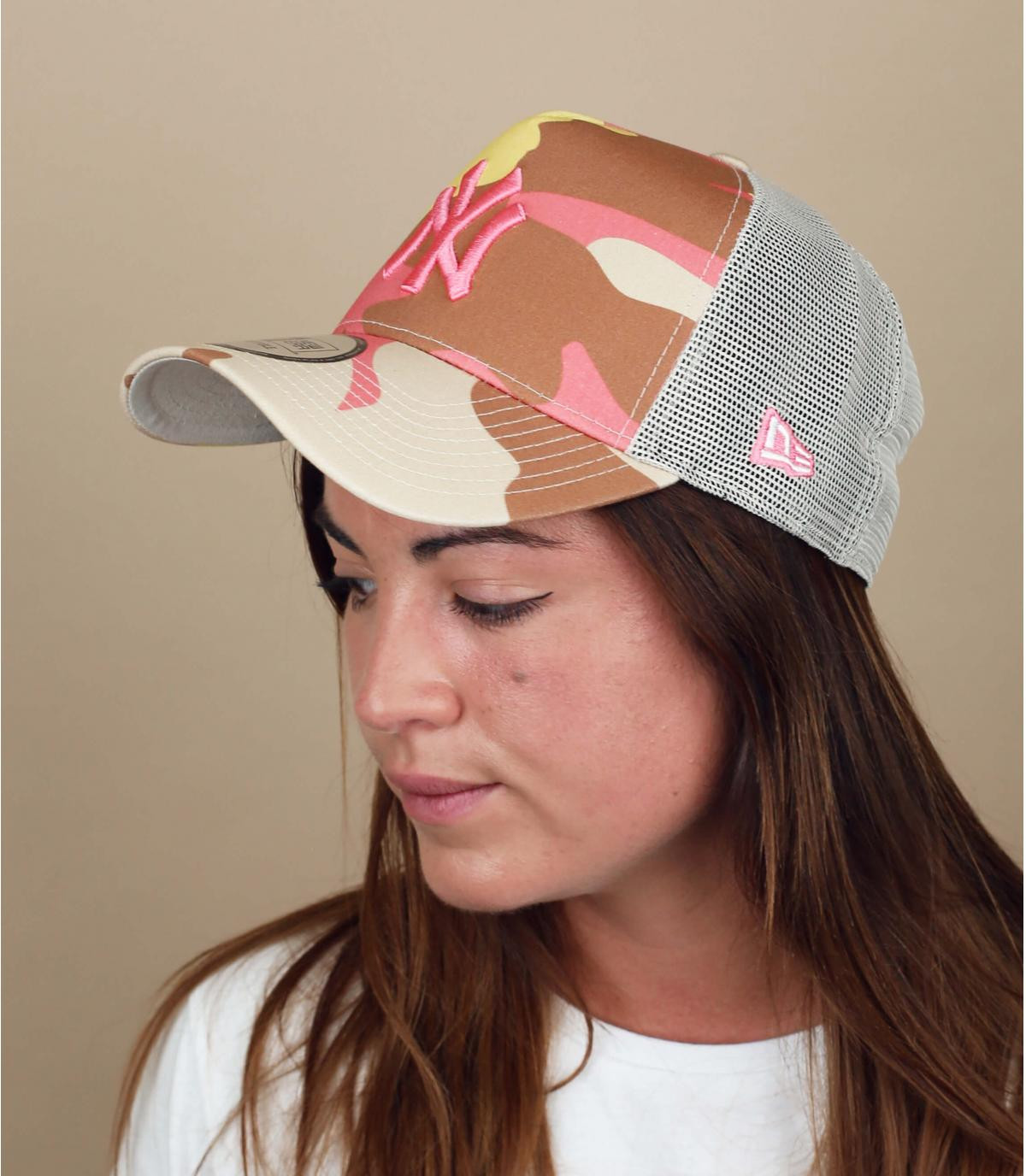 Trucker Cap NY beige rosa camo