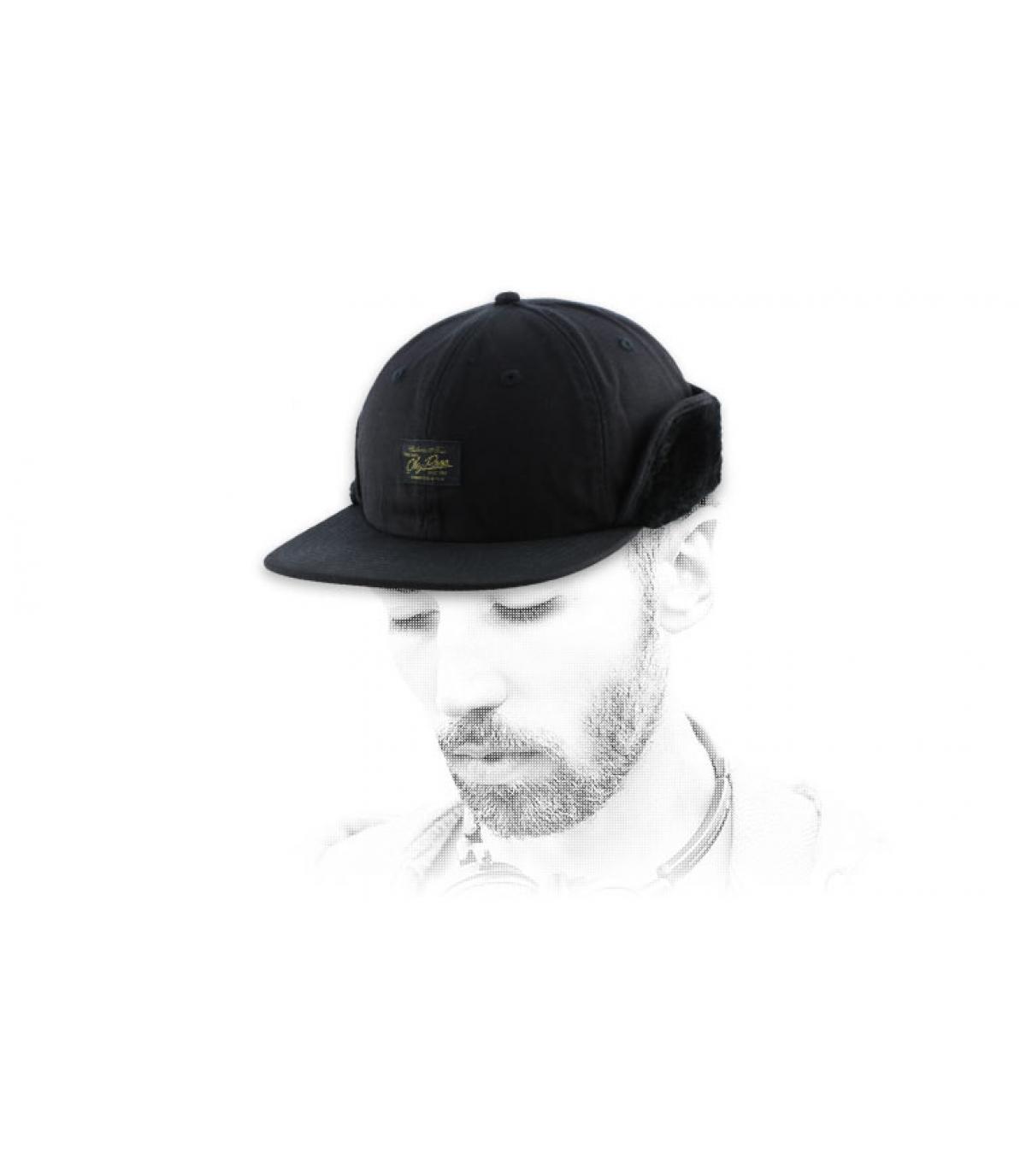 schwarz ear flap cap