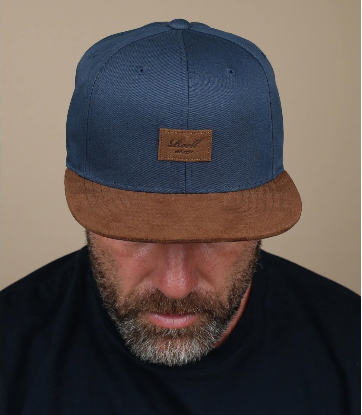 Snapback marineblau Schild Suede