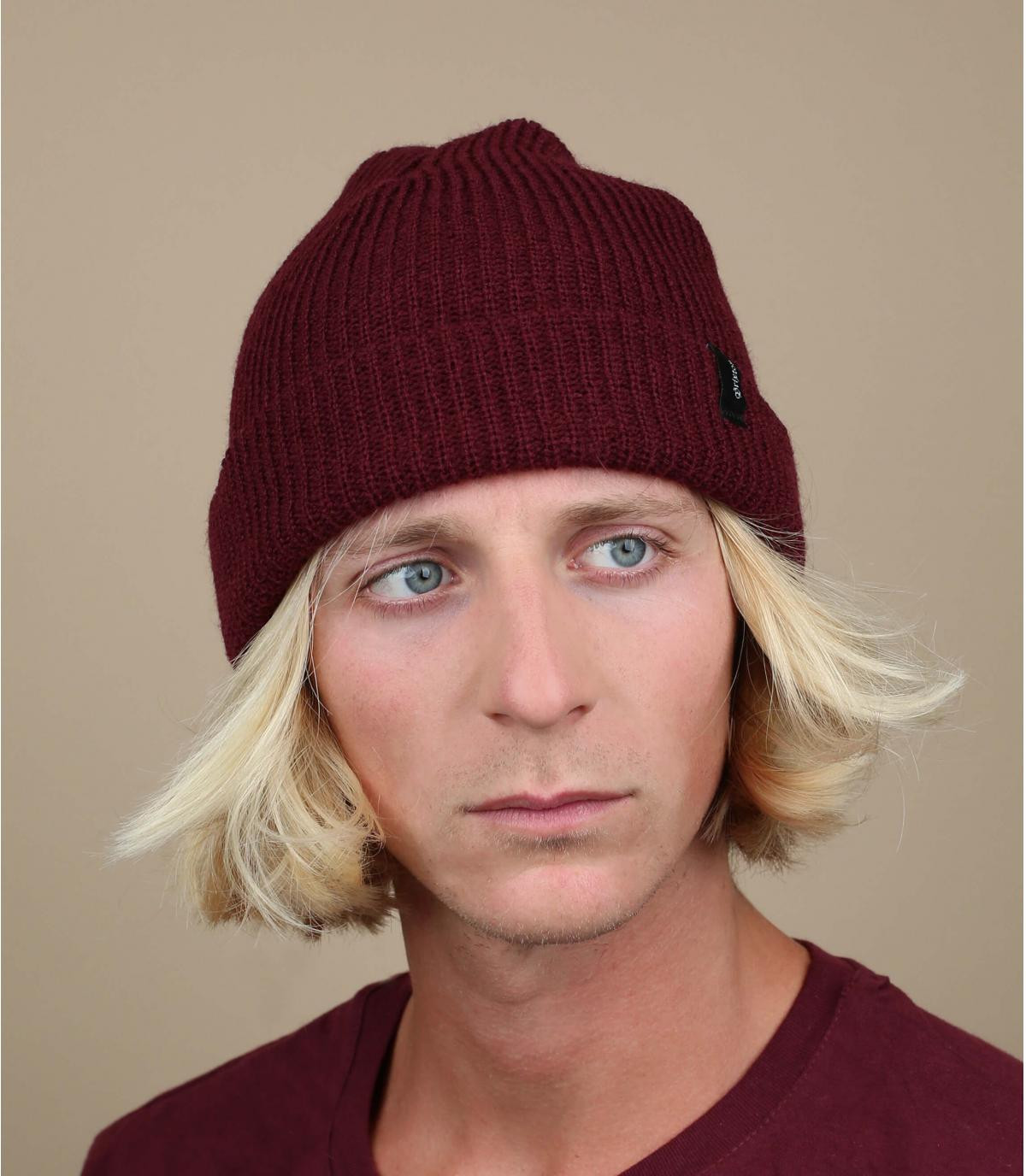 Mütze Rand bordeaux rot Krempe
