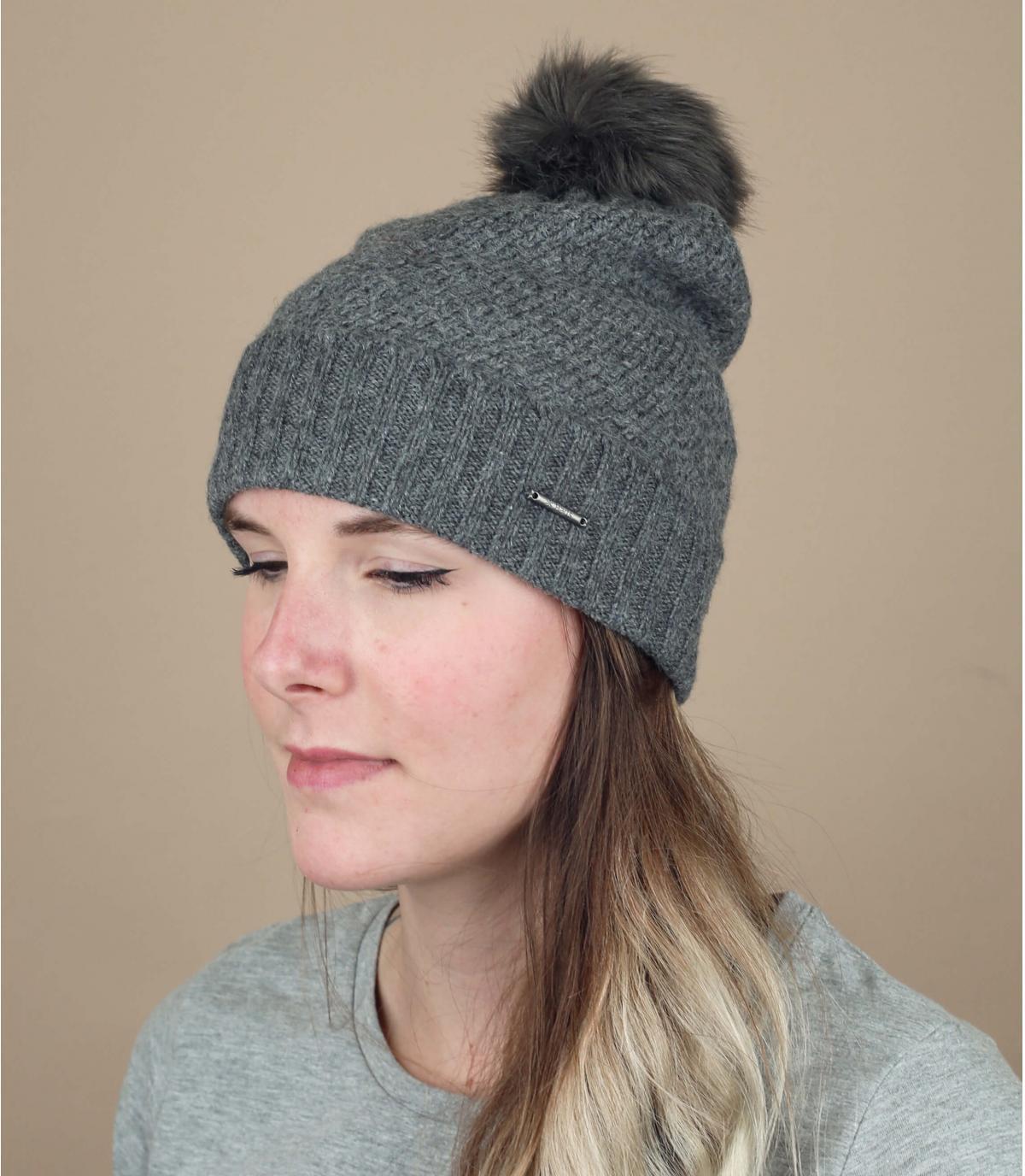 Mütze grau feine Maschen