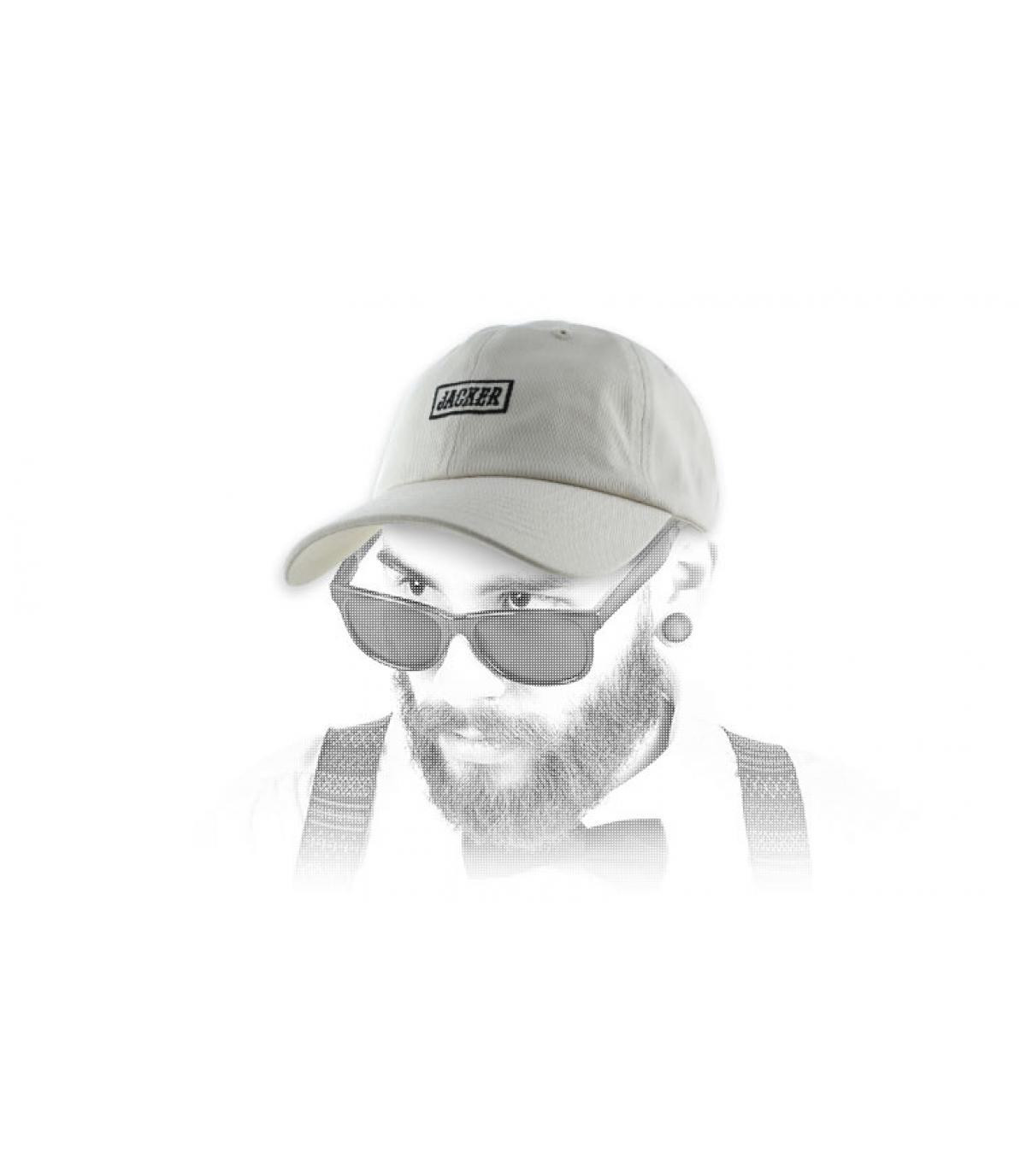 Jacker Cap beige Logo